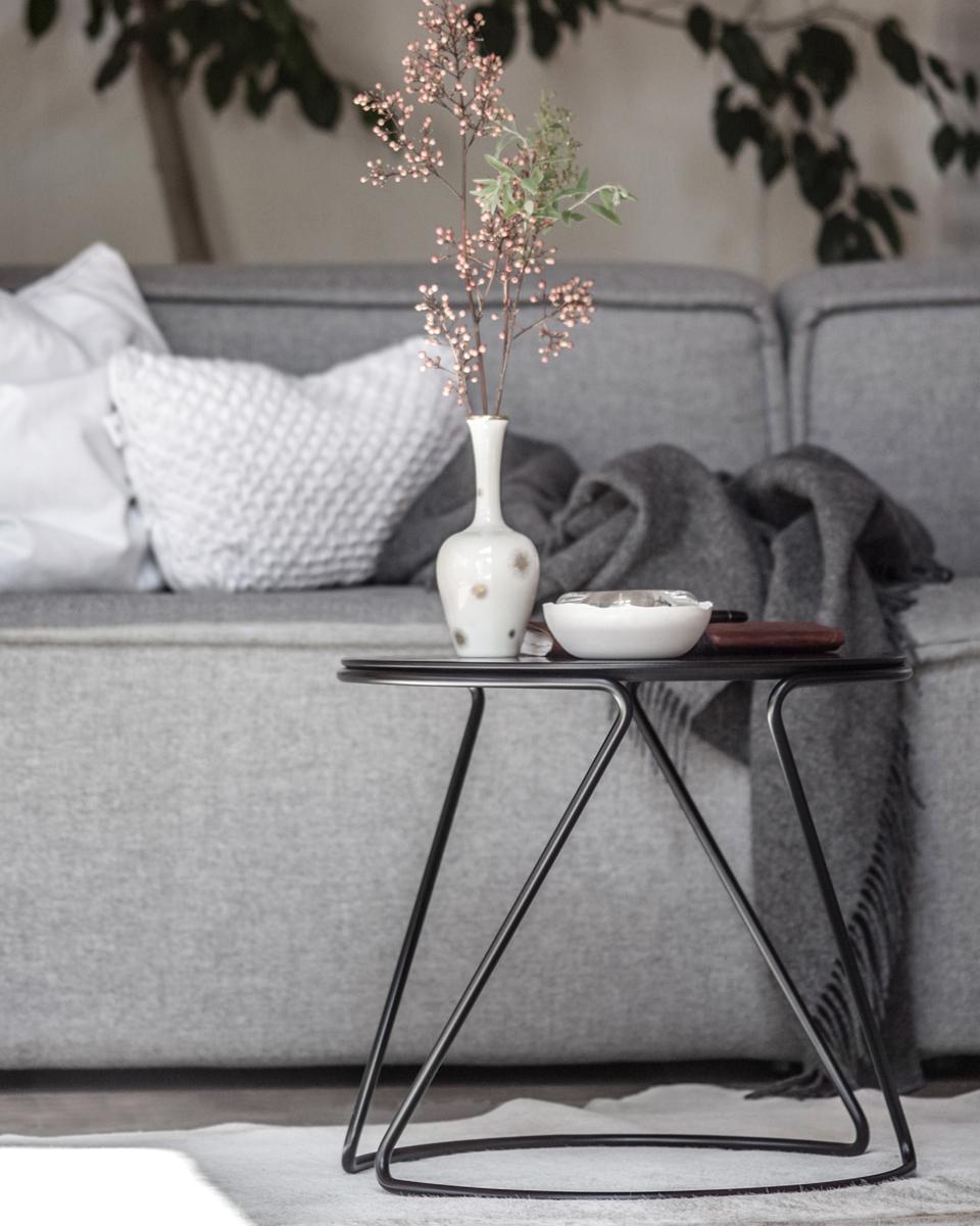 thonet side table s 18. Black Bedroom Furniture Sets. Home Design Ideas